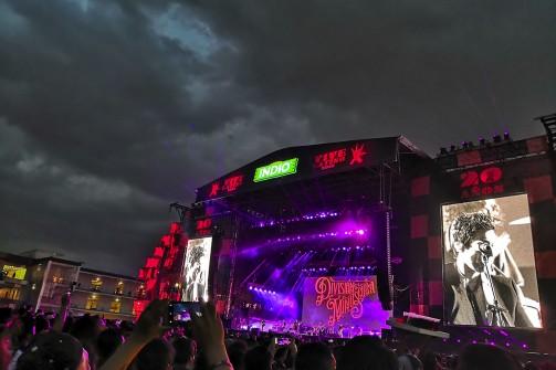 La noche cae en el VL 2019 cuando cantan División Minúscula